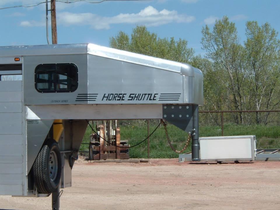 bolinger.inc.horse.shuttle.aluminum.livestock.2016.jpg