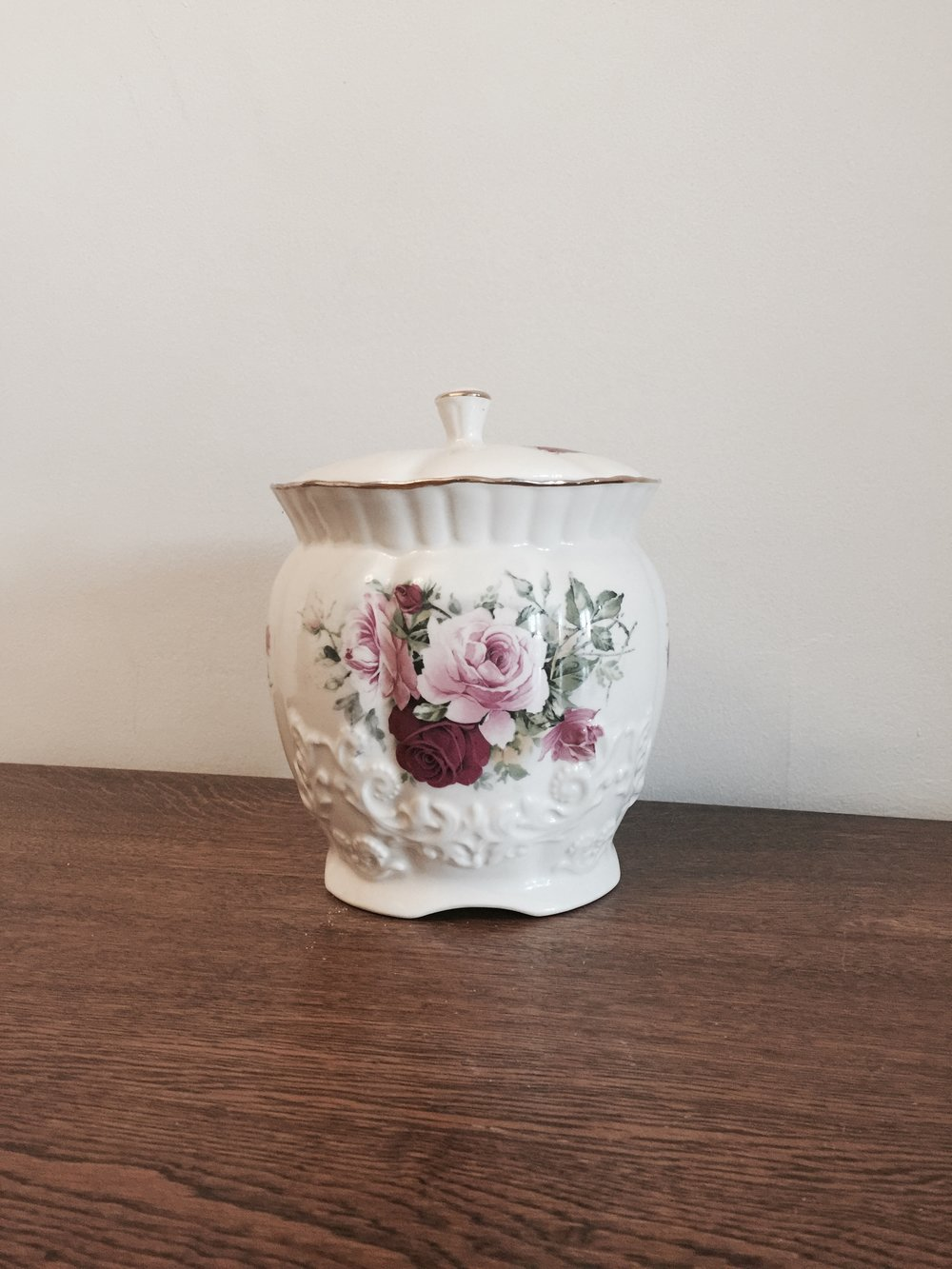 Vintage pot £5 to hire