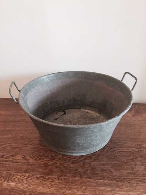 Small tin bath £15 to hire