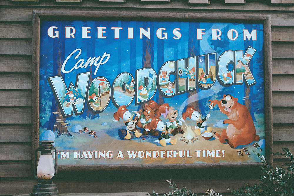 I'm a big fan of kitschy camp decor. Camp Woodchuck is full of little details, I felt like I needed to spend hours there to see everything.