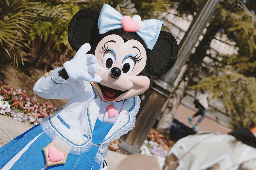 While in Aquasphere Plaza, look out for some familiar faces. I've waited so long to see Minnie in this adorable DisneySea outfit.
