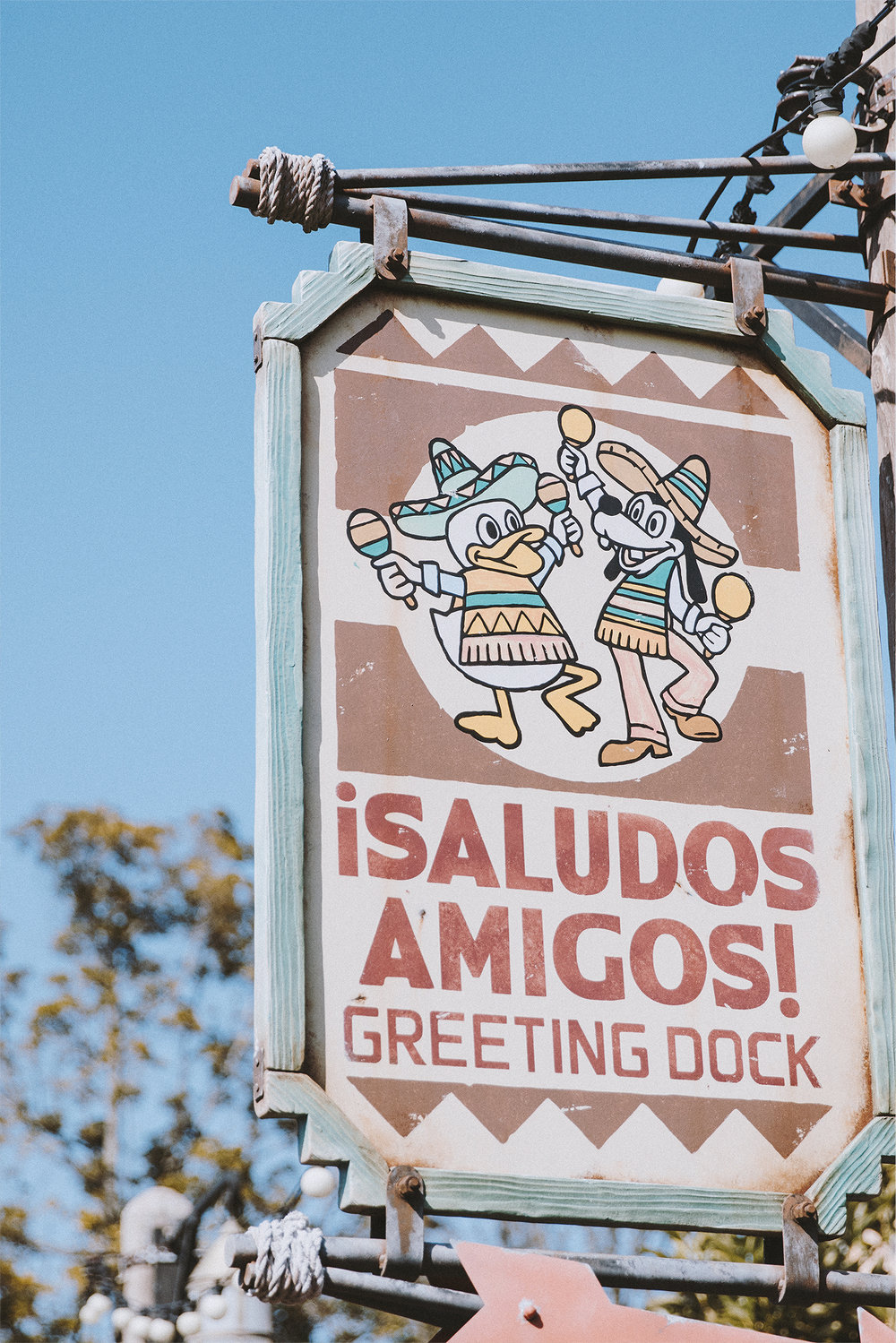 This greeting and sign is such a hoot!And if you're in the area visit Miguel's El Dorado Cantina for their melon soda (it has chia seeds in it!)