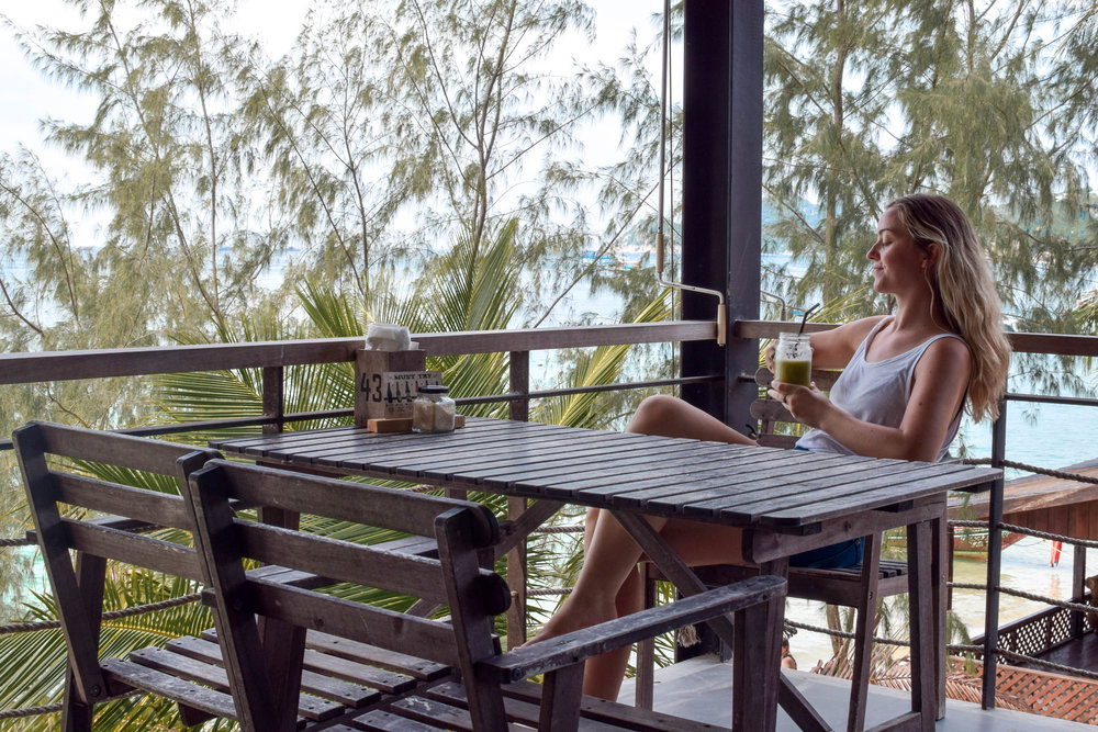 Loungin' upstairs at Blue Water on Sairee Beach