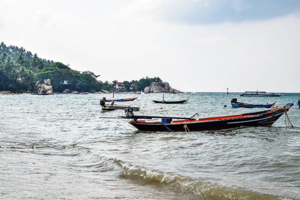 These boat taxis can be seen near shore all around the island, and you can hire one to go to the other side of the island if you don't feel like driving.