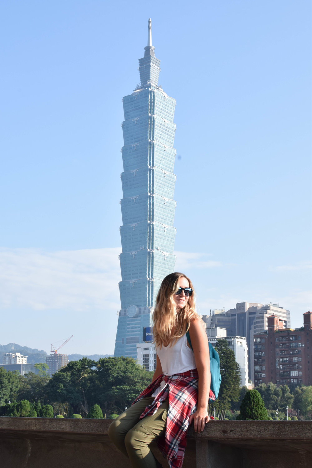 Hangin' with the Taipei 101.