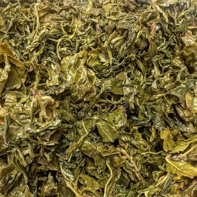 amazing #kombucha starts with amazing #ingredients! going to share a bit about what goes into this #quality #bucha... Step #1: #TEA -  @radiatemiami uses @sipjojo to #source. #sipjojo pays close attention to #holisticfarming #methods and #fairtrade #farms... our #radiatekombucha tea is #Everspring #Oolong which is a blend of the Si Ji Chun cultivar from Yilan, Taipei, and Nantou counties of Taiwan. You can taste the work of an expert teamaster who is almost eighty, but has the energy of f*ckin honey badger. As they lovingly call her, Mama Ai, makes consistently delicious tea. ☀️🌱🙌🏾She's a force to be reckoned with. 🌱☀️#radiate #radiatemiami #radiatehealth #radiatebeauty