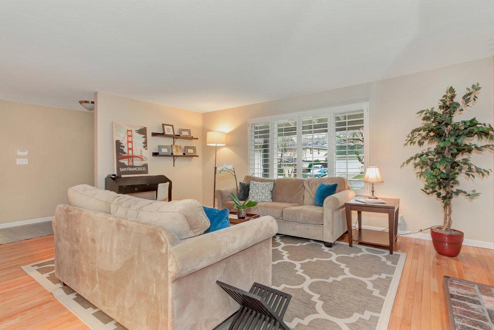 1372 Cornwall Ct Walnut Creek-large-003-16-Living Room 2a-1500x1000-72dpi.jpg