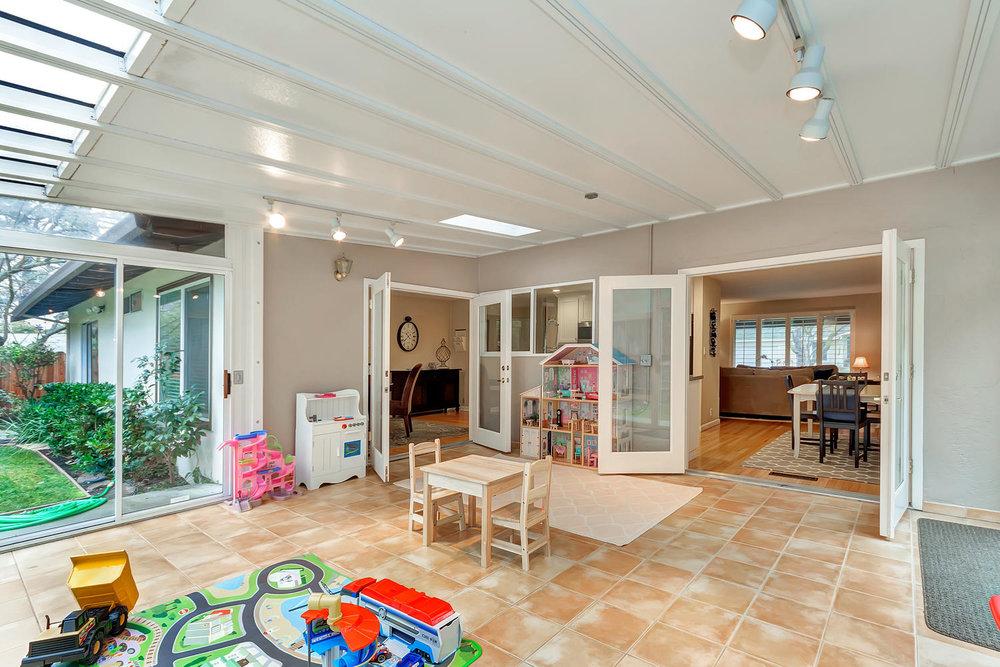 1372 Cornwall Ct Walnut Creek-large-018-28-Sun Room 4a-1500x1000-72dpi.jpg