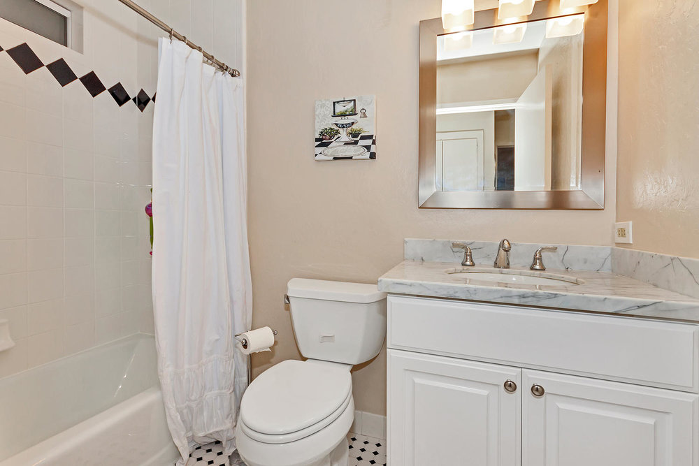 1372 Cornwall Ct Walnut Creek-large-023-5-Bathroom-1500x1000-72dpi.jpg