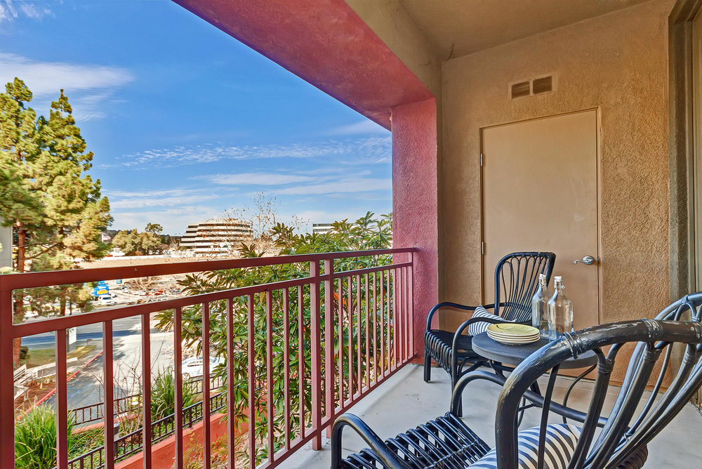 1800 Alma Ave Unit 203 Walnut-large-006-38-Balcony 2a-1498x1000-72dpi.jpg