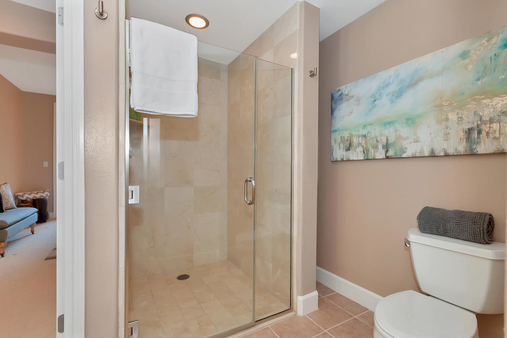 1800 Alma Ave Unit 203 Walnut-large-022-47-Master Bath 2-1500x1000-72dpi.jpg