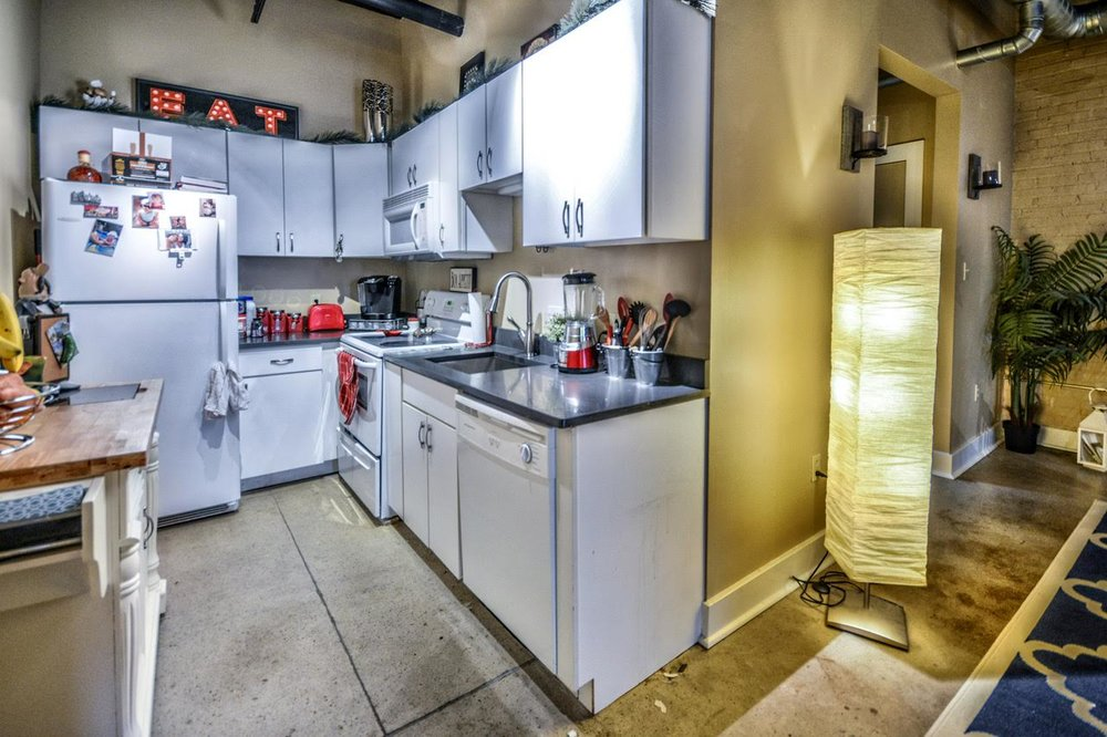2nd condo kitchen.jpg