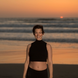 COURTNEY YEZZI   Yoga 101