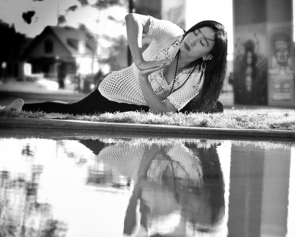 Resized_Ali_yoga_4_4291.jpg