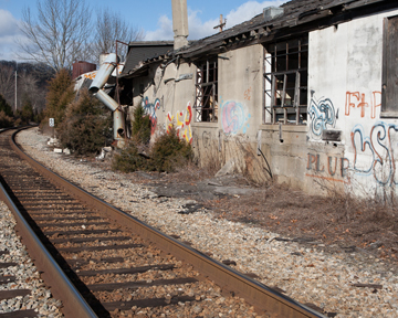 08-sparta-train-station.jpg