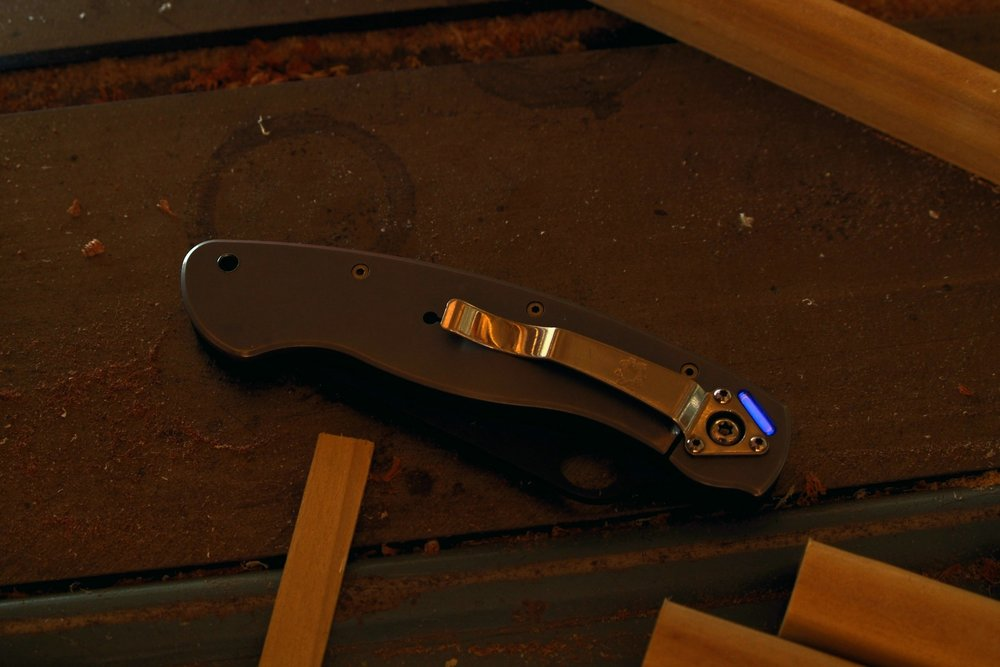 Spyderco Military titanium-g10 black S30v blade, deep blue tritium vial