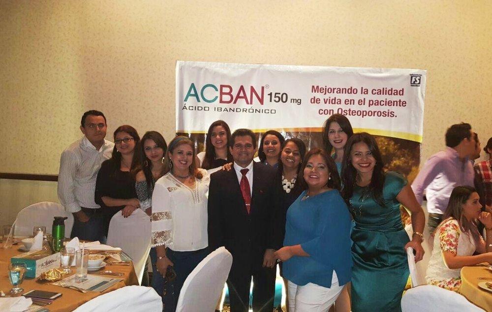 Médicos y colaboradores de Laboratorios Farsimán:Ana María Dubón, Olga Bueso, Xochil Paz, Carol Tróchez y Bianca Murillo.