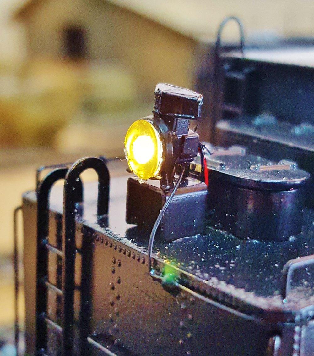 Tender light using LSD and MV lens.
