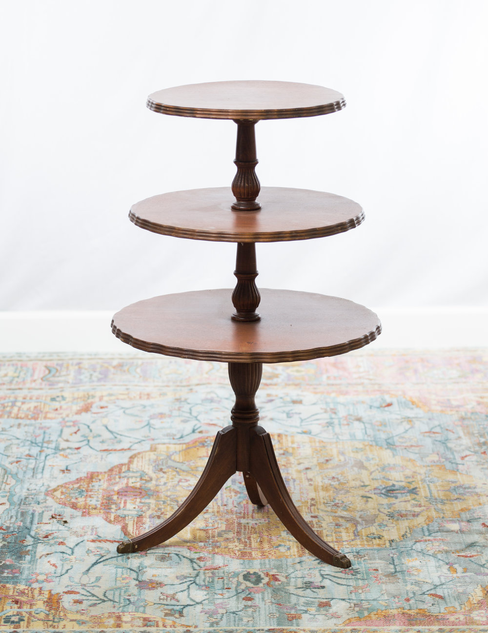 Eloise tiered table  Qty: 1