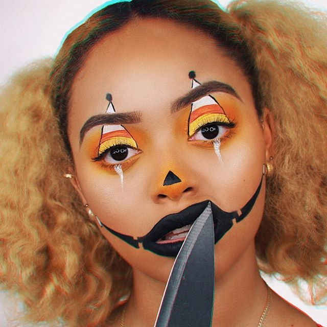 @jasmyndestine serving Halloween looks in our lash style #manhattans 🔥🤗 What are you guys going to be for Halloween?! Tell us below! 👇🏽