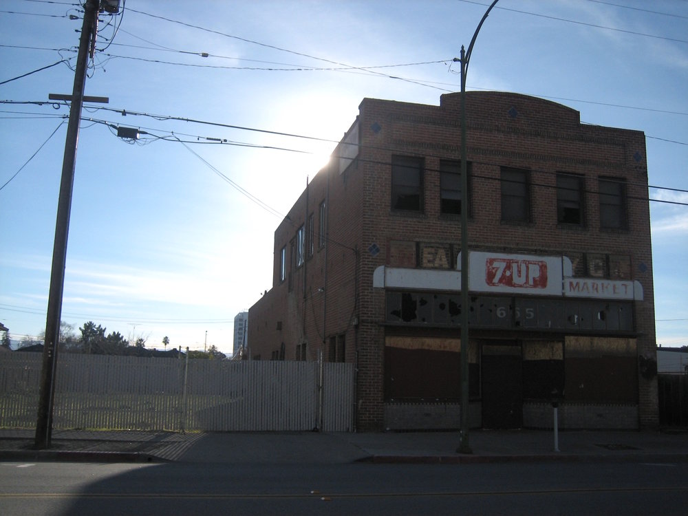 old building downtown San Jose near Japantown, 2007