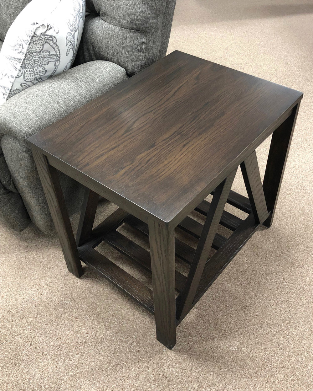 V End Table (2).jpg