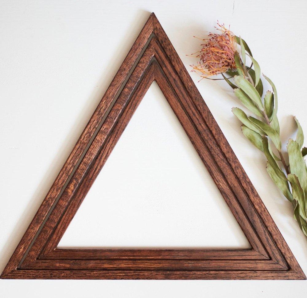 Macra-Weaving Triangle Frame