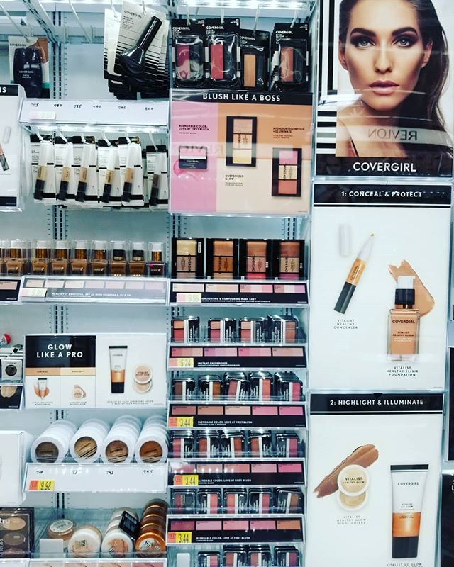 When you can't help yourself but stop by at this beauty! #ExhibitionistLip #contest @COVERGIRL @Influenster @Walmart . . . . . . . #cosmetic #makeupaddict #lash #makeupjunkie #eyeshadow #concealer #makeupforever #palettes #glitter #primers #instamakeup #eyes #cosmetics #lip #makeup #eyebrows #base #lipstick #makeuplover #lashes #makeupartist #gloss #foundation #makeupbyme #lips #eyeliner
