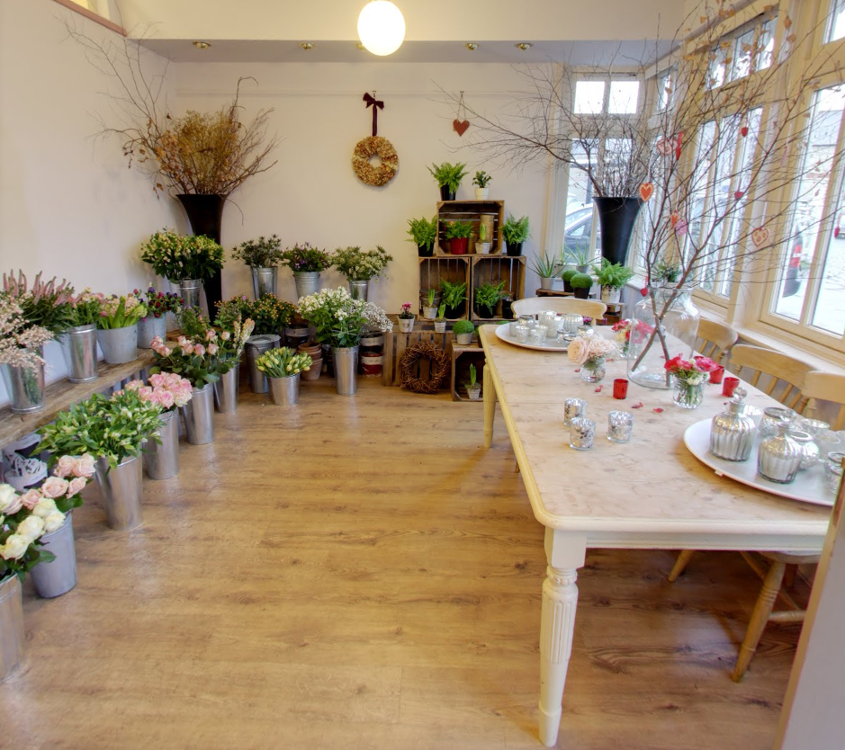 lilac_thyme-shop_interior_flowers.png