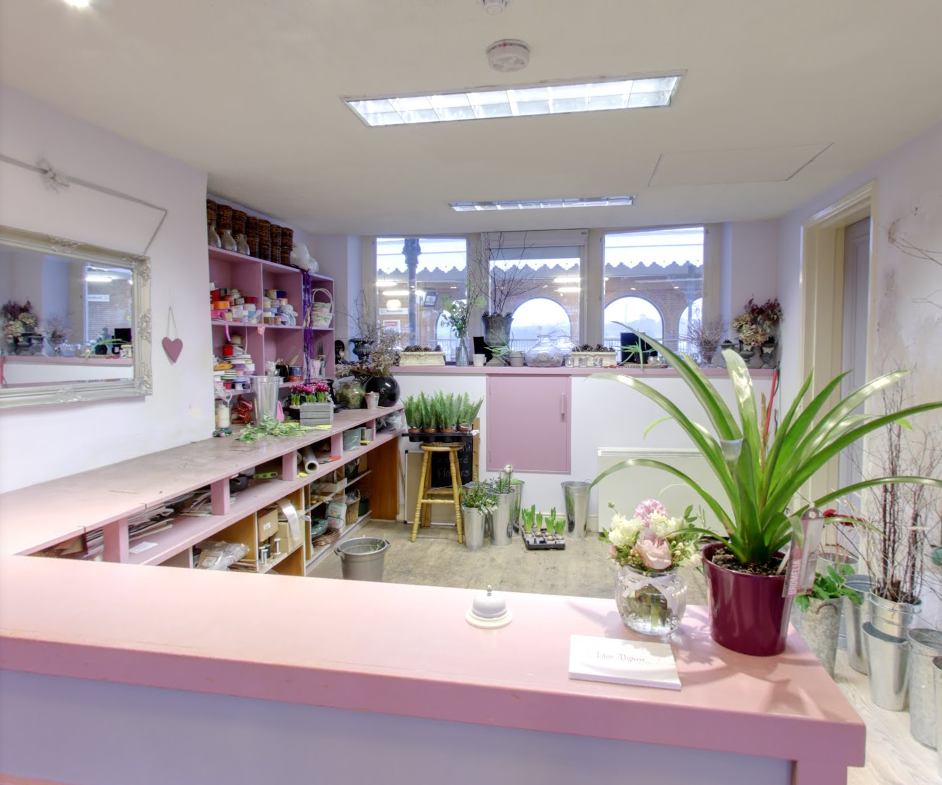 lilac_thyme-shop_interior_behind_checkout.png