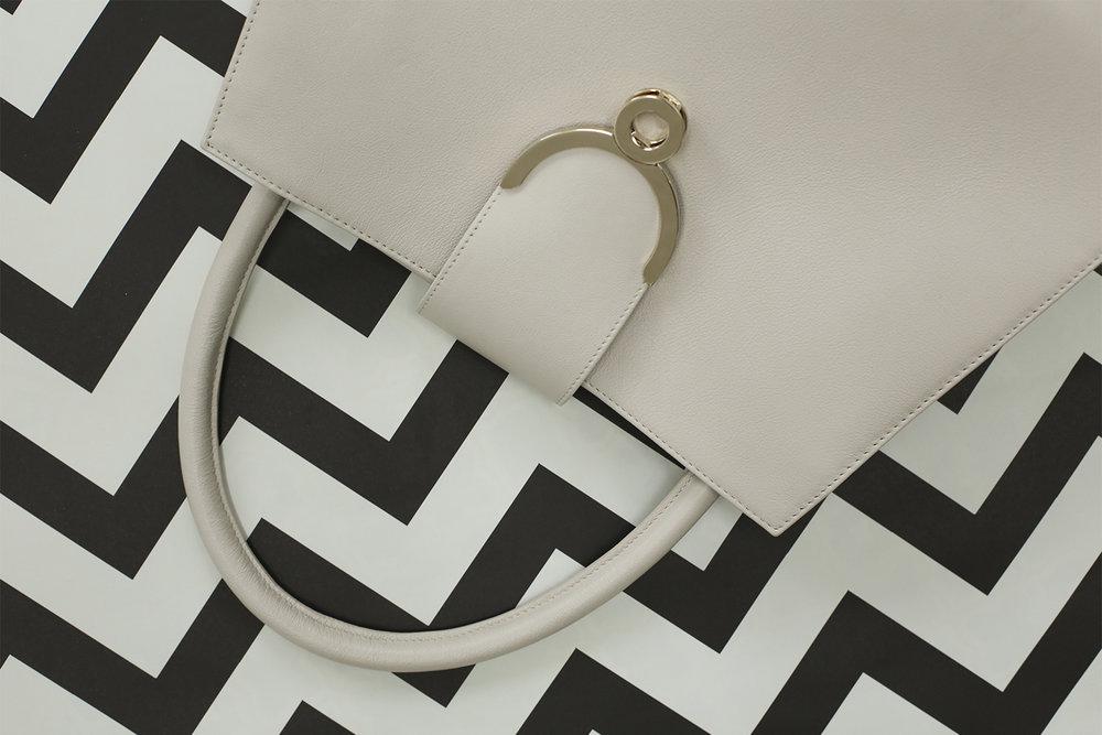 Ivory-Tiamet-bw-pattern-1500-1000.jpg