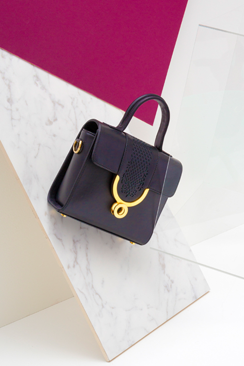 Ennigaldi-black-Sarpanit-handbag.jpg