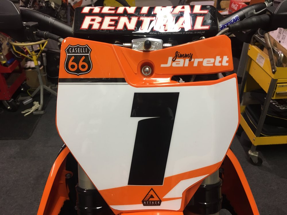 Jimmy Jarrett's KTM 450 SX-F. KTMs with no accessories and a flat number plate will mount at the number plate bolt, and valve pointing forward.