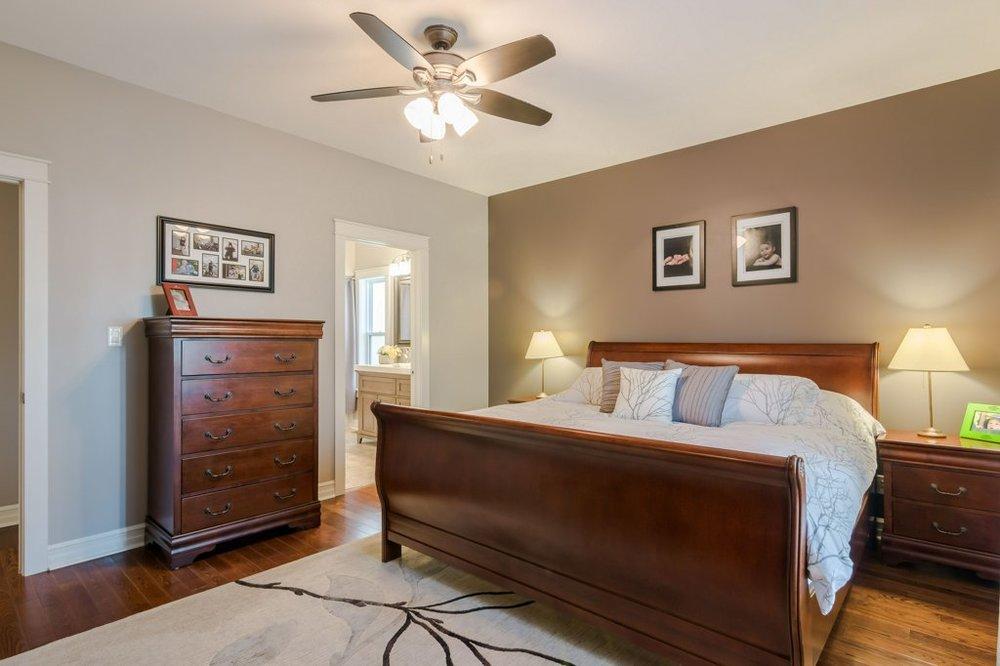 12 Master bed 2.jpg