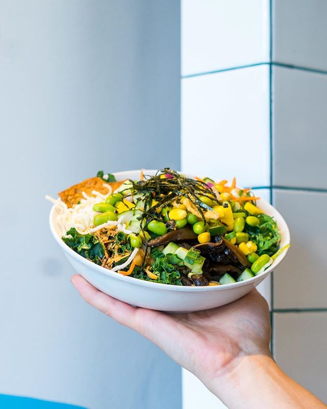 Looking for an exciting, fresh lunch? Our sushi burrito bowls are the perfect, portable food that will have you looking forward to lunch time! ⠀ ⠀