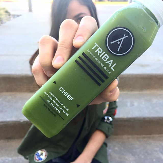 Today can always be the greener side 🌱🍃🌿 . . . . #newday #greeneroutlook #kale #coldpressedjuice #healthy #veggies #healthy #whole #yum #transparentingredients #fruitsandveggies #locallove #inspire  #community #hike #outdoors #cleaningredients #drinkyourveggies #coldpressed #dallas #Dfw #handcrafted #goodingoodout #replenish #magic #vibrant #flavor #organic