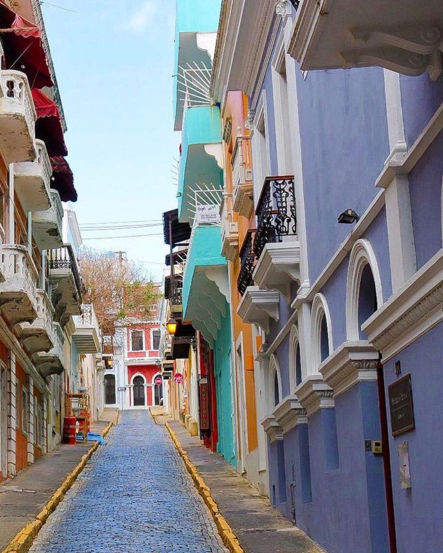 These gray, rainy days have me reminiscing on the colorful, eclectic streets of Old San Juan.  All of the bright colors just gave me all kinds of happy feels...I wish that I could've spent more time in this city rich with history and amazing food.  If you have the opportunity, I recommend you @seepuertorico It's definitely on my list to return for a longer stay!  Who's with me? Visit http://www.seepuertorico.com/en/promo/ for details . .  #sponsored #puertoricoready #paradise #takemeback #discoverpuertorico #seepuertorico . . . . . #flosfavorites #livecolorful #flashbackfridays #travelbloggerlife #escapetoparadise #vacationgoals #travelgoals #puertoricanfood #chicagogrammers #wcbctravel #picoftheday📷 #colorfulpics #richhistory #brightcolors #architecture_lovers #colors🎨 #discovering