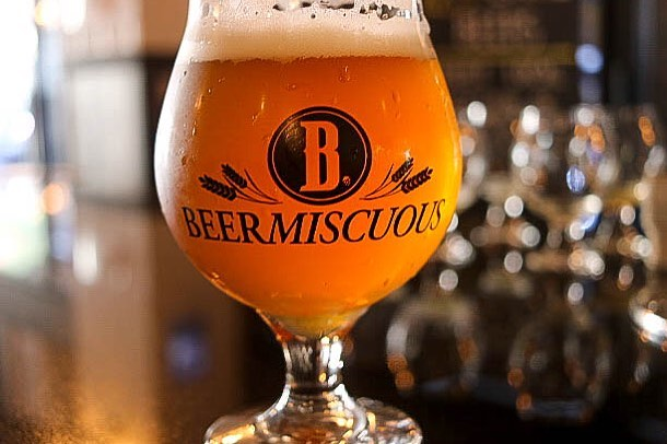 This past weekend I learned a term that describes my love of craft beer: Beermiscuous [beer-mis' kyoo-uh s] adj.: characterized by casual and frequent enjoyment of a wide variety of craft beer.  Yep, that's me!  I'm sure @hayanyujah can relate 🤣  Beermiscuous is a craft beer Café located in Lakeview.  Think coffee shop for craft beer lovers with over 350 beers to select from. They offer comfy surroundings and free wifi so bring along your laptop and stay awhile.  More details on the blog.📍Lakeview • • • • • #craftbeerlover #craftbeer  #craftbeernerd #chicagobeer #chicagofun #beercafe #choosechicago #chicagogrammers #wcbc #beerus #beer🍺 #beershop #explorechicago #lakeview #chicagoland #nwi #Flosfavorites #petitejoys #livehappy