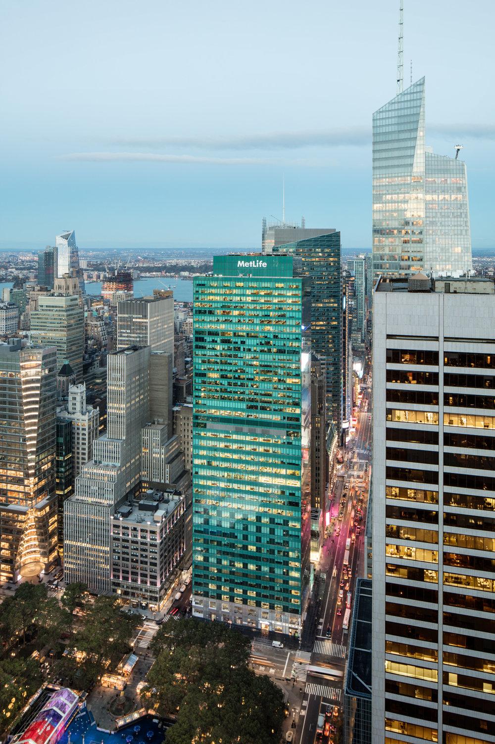 Met Life bldg now Salesforce Tower NY