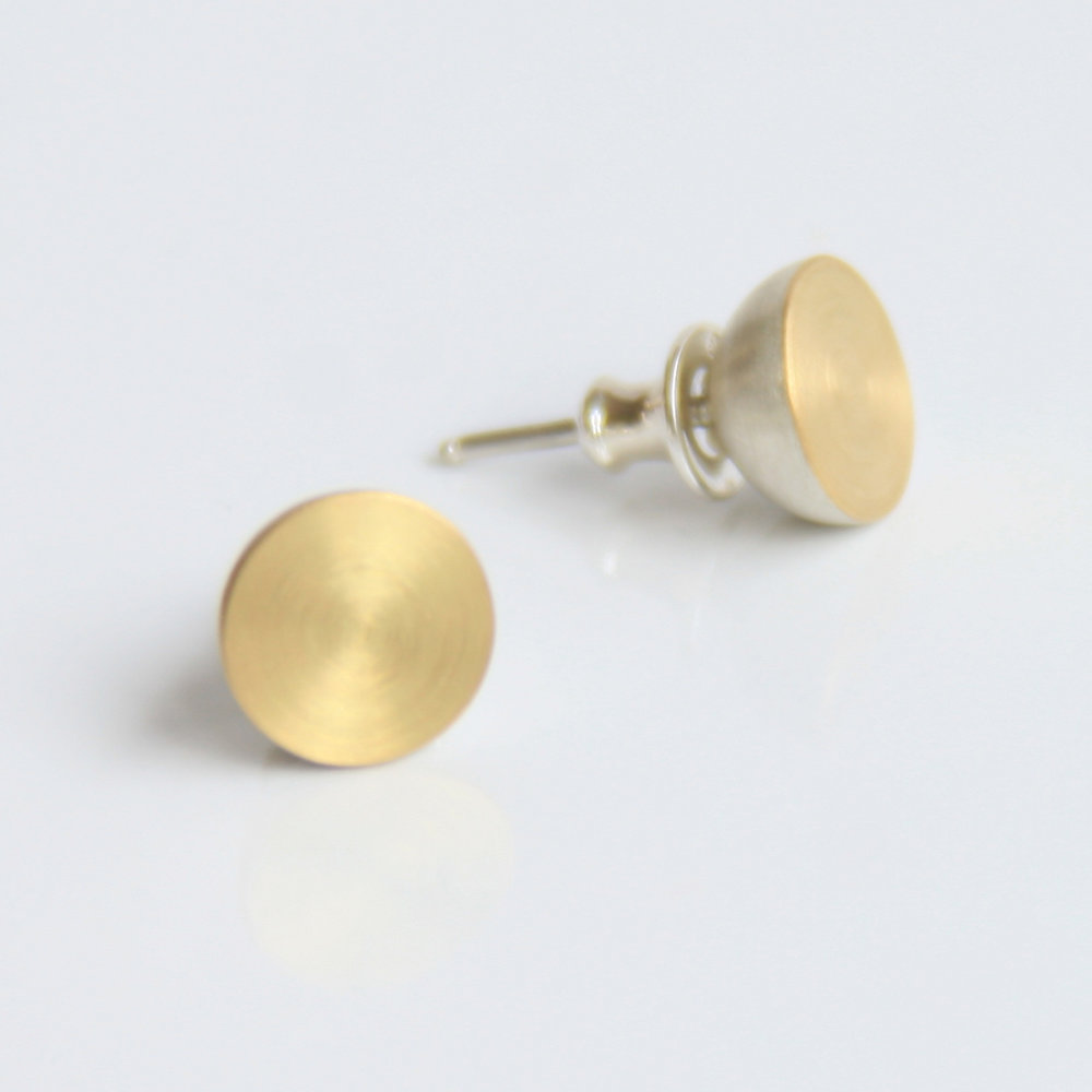 9a stud earrings 18ct gold silver.jpg