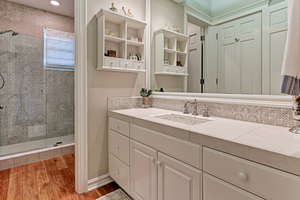 Caskey - 814 Pacific_Bathroom2.jpg