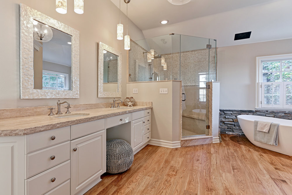 Caskey - 814 Pacific_Master bath1.jpg