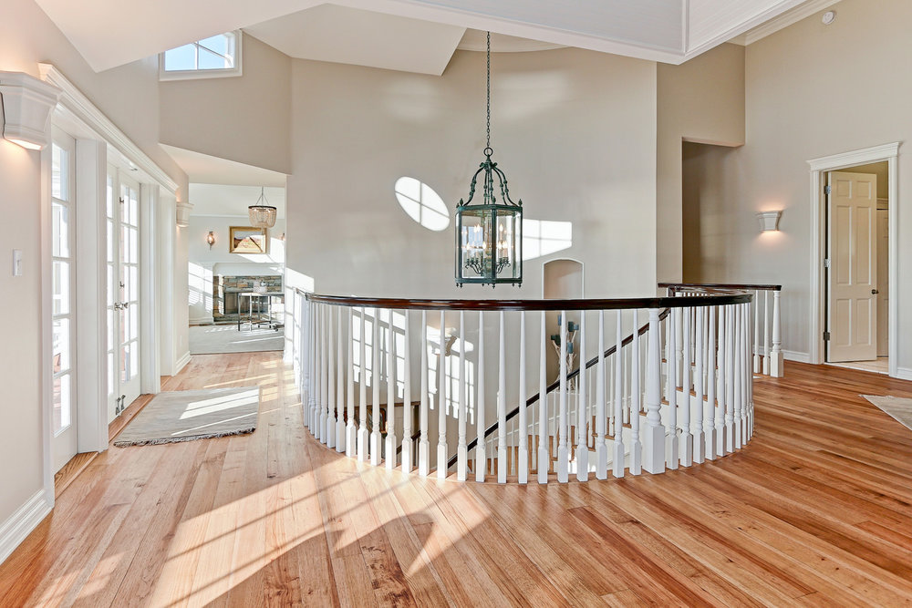 Caskey - 814 Pacific_Stair Landing2.jpg