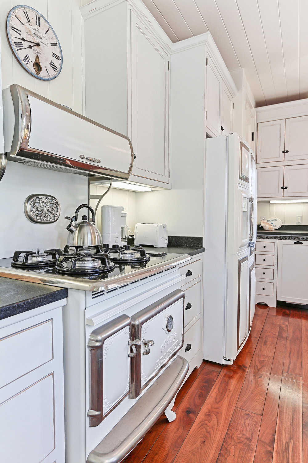 Caskey - 814 Pacific_Cottage Kitchen4.jpg