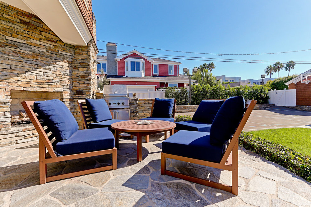 Caskey - 814 Pacific_Cottage Patio.jpg