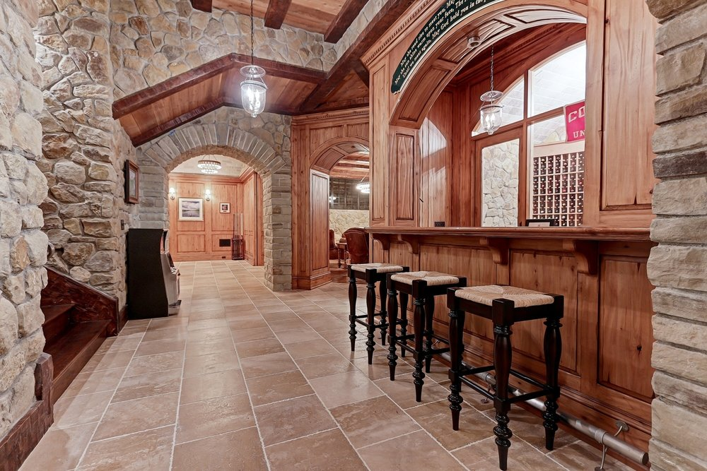 Caskey - 814 Pacific_Man Cave Landing-Bar.jpg