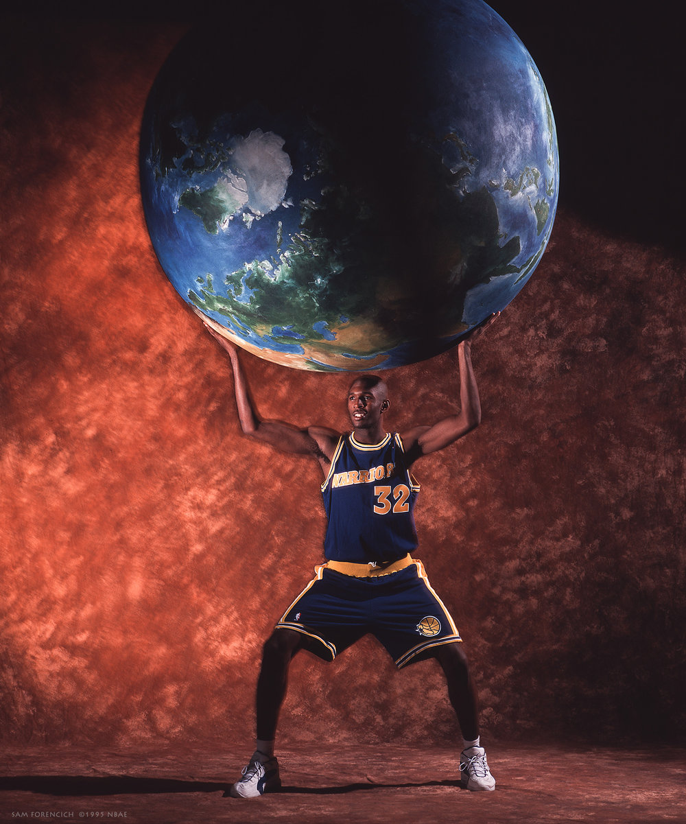 Oakland, CA – Joe Smith of the Golden State Warriors poses for a portrait during his NBA rookie season in 1995. Manually focused Hasselblad, RDP 100film, studio lighting.  Sam Forencich ©1995 NBAE