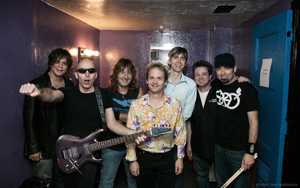 May 2006, San Francisco, California - The Joe Satriani and Eric Johnson bands gather for an end of tour photo backstage at the Warfield Theater - 2006 Super Colossal Tour  ©2006 Sam Forencich