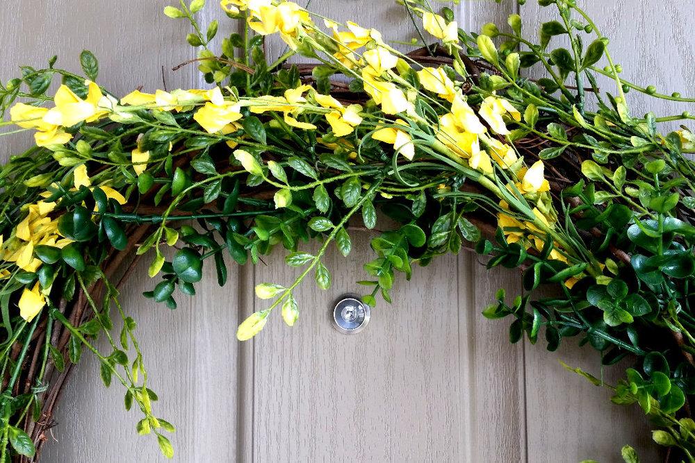Simple DIY Spring Wreath.jpg