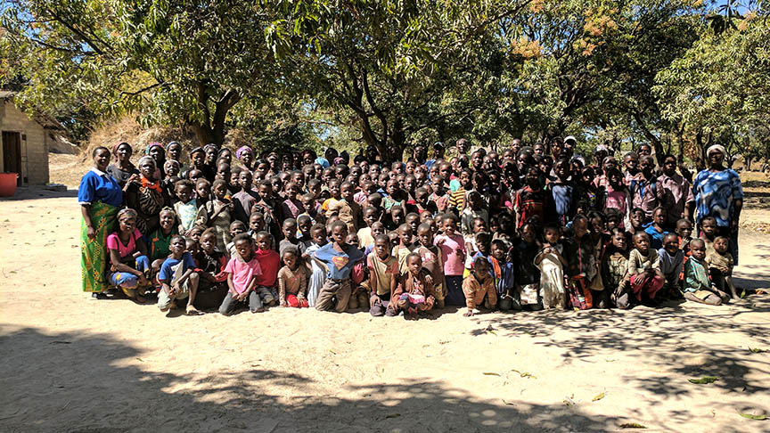 贊比亞,非洲  時間:6月25日至7月6日  合作夥伴hands at work  領隊:Abe&Suzette Lee  人數:最多10個英語會員  支持工作,鼓勵Zimba的義工。